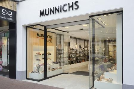 Munnichs Weert - tel: 0495-537358